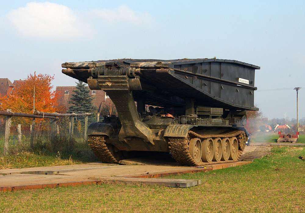 Brückenpanzer / Brückenlegepanzer BLG 60